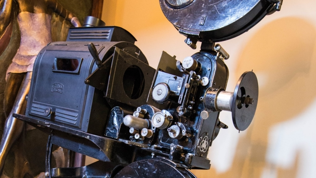 Wellington Movie Tours: Roxy Camera