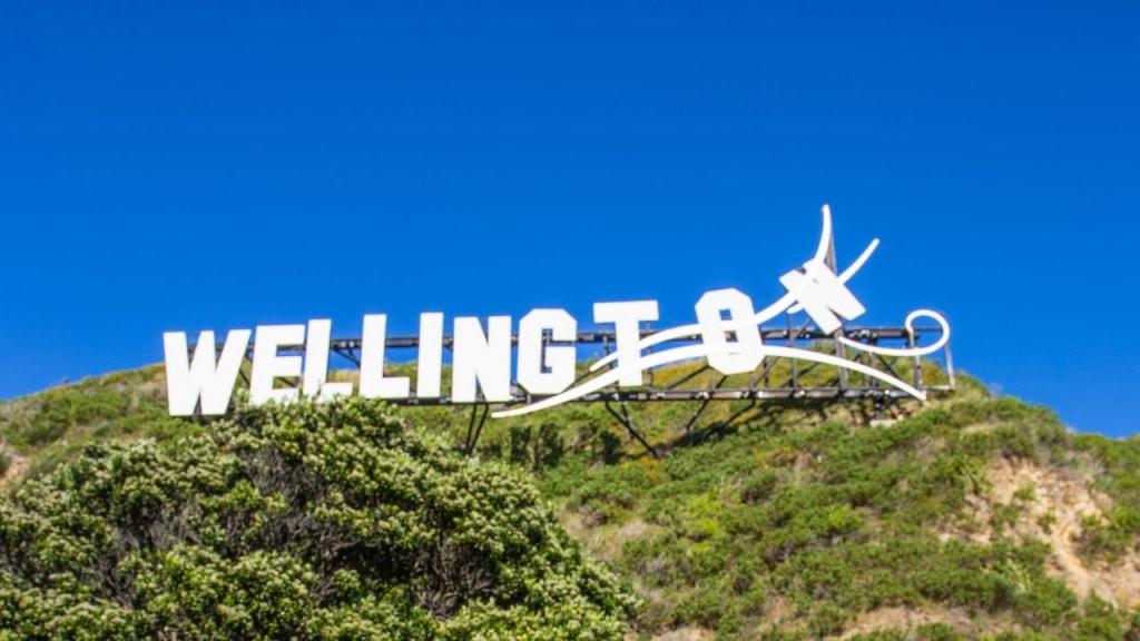 Wellington Movie Tours: Sign